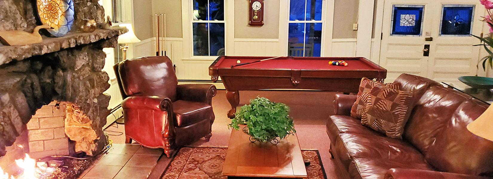 main room at Lakeview Inn