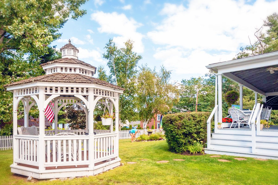 gazebo at Lakeview Inn